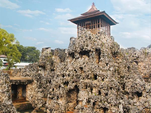 Sunyaragi Cave Swiss-Belhotel Cirebon