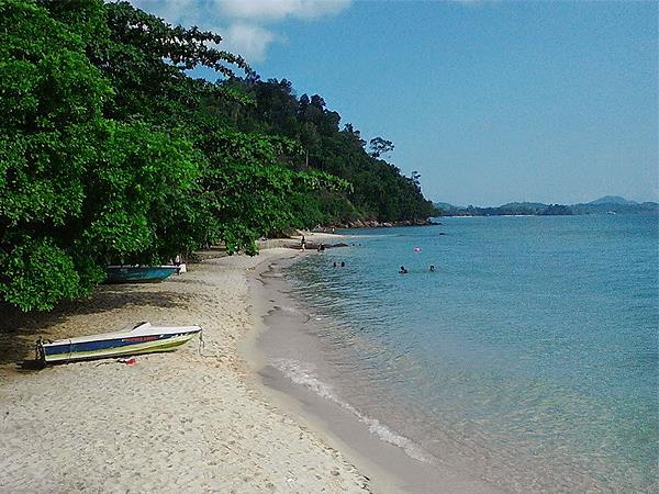 Mirota Beach Batam Zest Hotel Harbour Bay Batam