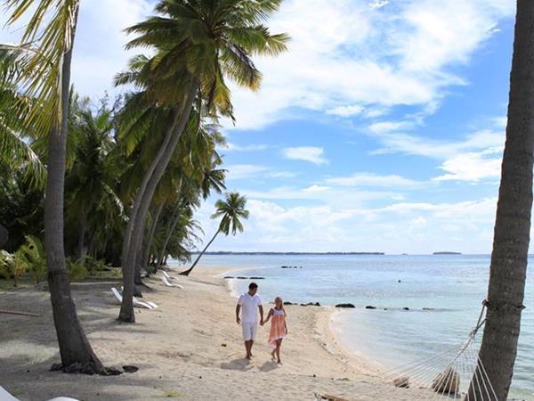 One Tarona, La Vie en Rose Tikehau Pearl Beach Resort