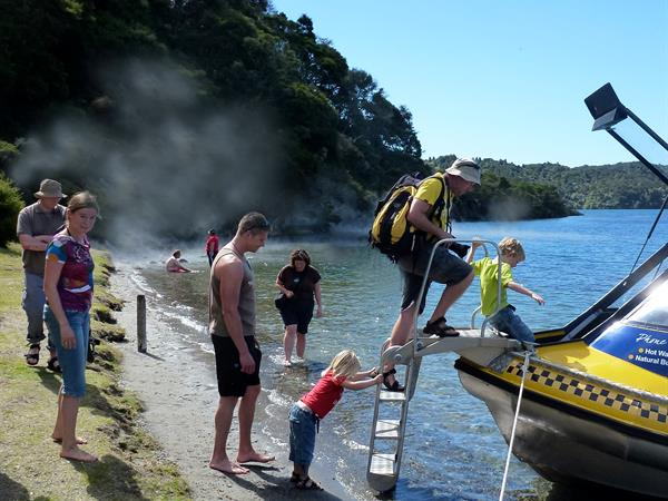 GUIDED CULTURAL & GEOTHERMAL LAKE DISCOVERY TOUR Totally Tarawera