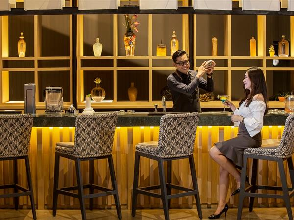 """Par 68"" Activity Lounge and Bar Swiss-Belresort Dago Heritage"