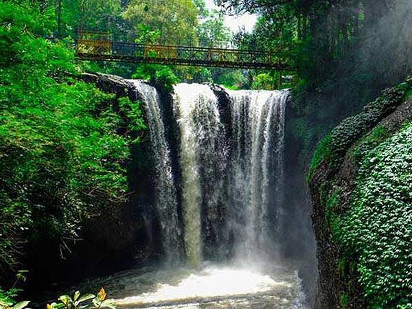 Tangkuban Perahu Mountain & Maribaya Waterfall Swiss-Belresort Dago Heritage
