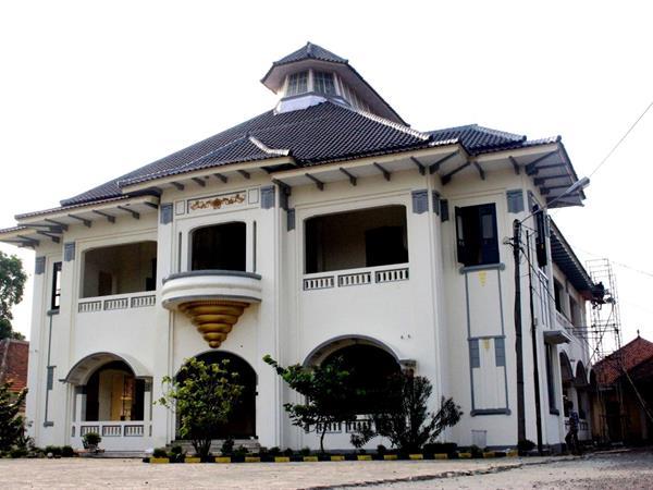 Juang Tambon Building Swiss-Belinn Cibitung