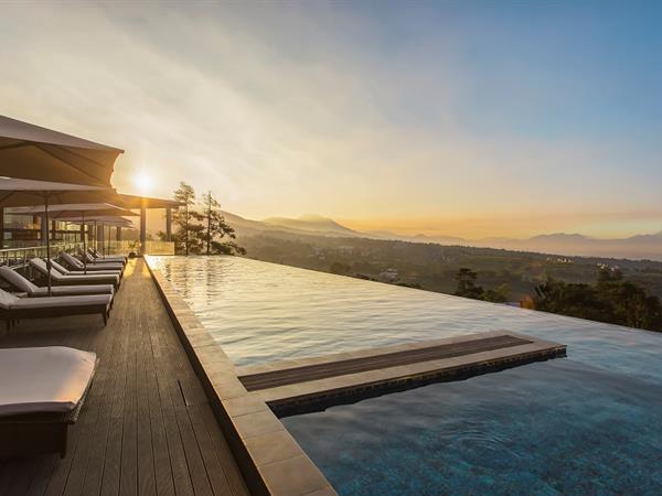 Swimming Pool Swiss-Belresort Dago Heritage