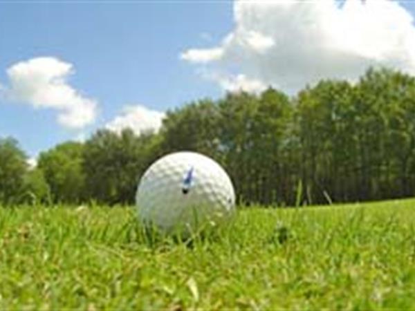 Golf Bowentown Beach Holiday Park