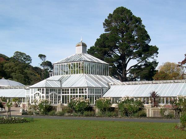 Dunedin's Botanic Gardens Aaron Lodge Holiday Park