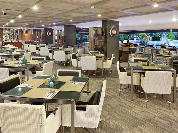 Swiss-Café Restaurant Swiss-Belresort Watu Jimbar