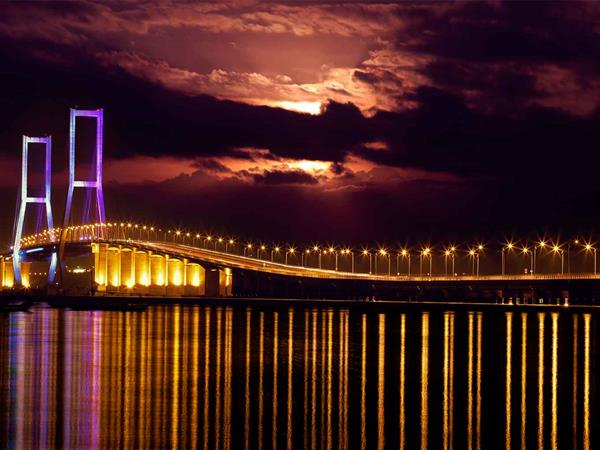 Suramadu Bridge Swiss-Belinn Manyar