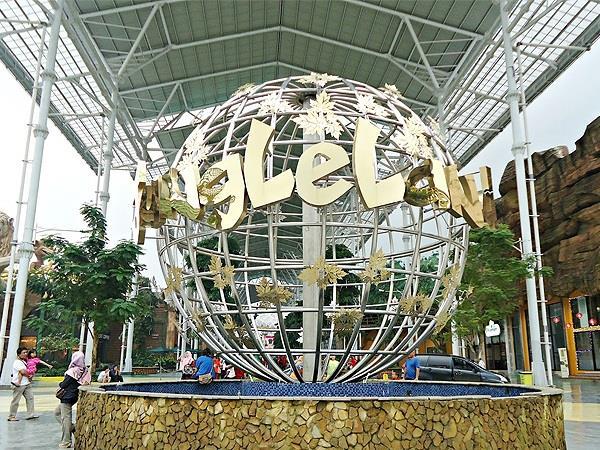 Jungleland Adventure Theme Park Zest Hotel Bogor