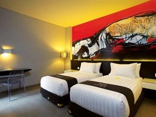 Superior Room Loft Legian Hotel