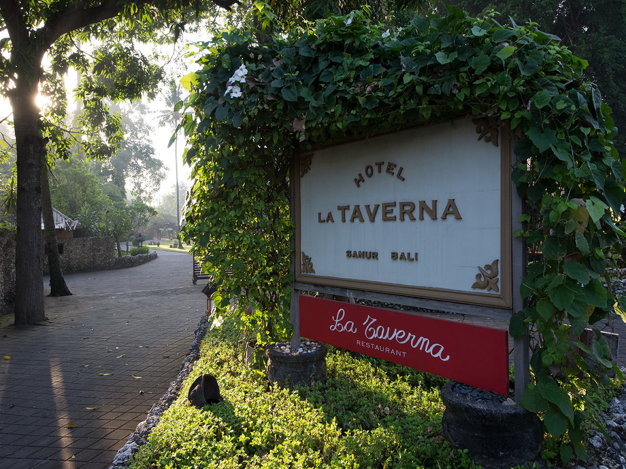 La Taverna Resort and Villas