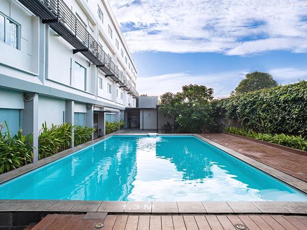 Swimming Pool Swiss-Belinn Cibitung