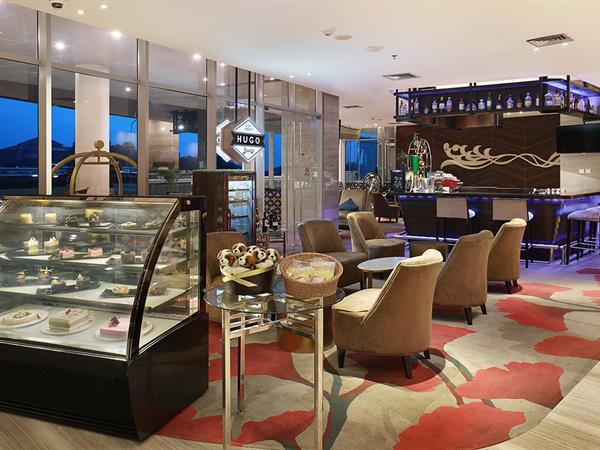 Hugo Lounge and Bar Swiss-Belhotel Airport