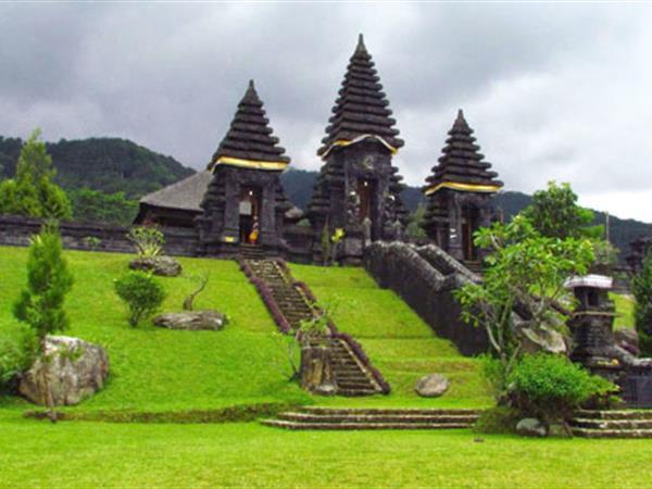Parahyangan Temple Swiss-Belhotel Bogor