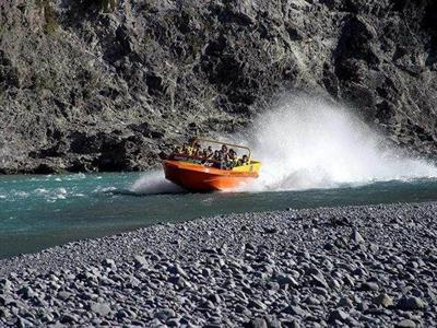 Jet Boating Lower Waimakariri