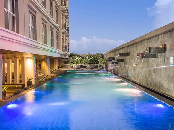 Kolam Renang Swiss-Belhotel Bogor