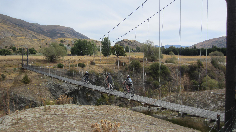 Biking in Queenstwown Villa del Lago