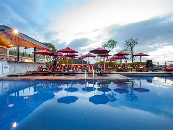 Chadis Roof Top bar Swiss-Belinn Legian, Bali