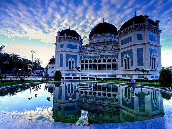 Masjid Raya Al-Mashun Swiss-Belinn Gajah Mada