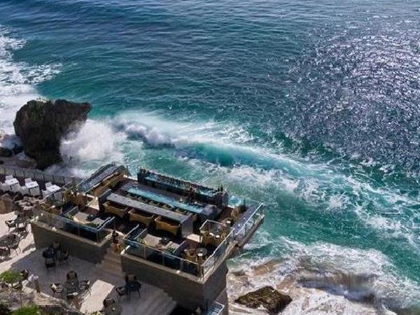 Ayana Bar on the Cliff Swiss-Belinn Legian, Bali