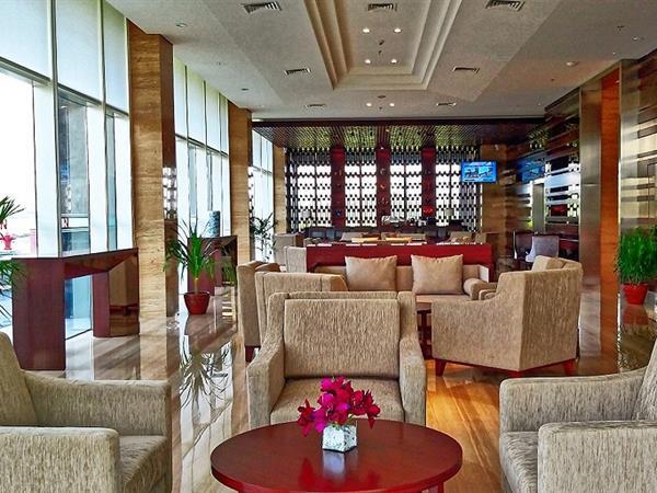 Lounge and Bar Swiss-Belhotel Serpong