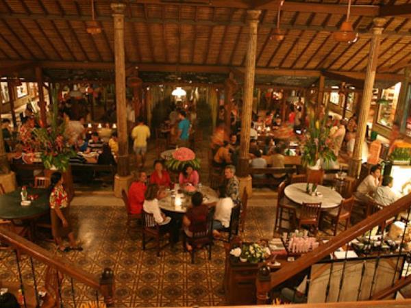 Made's Warung Swiss-Belinn Legian, Bali