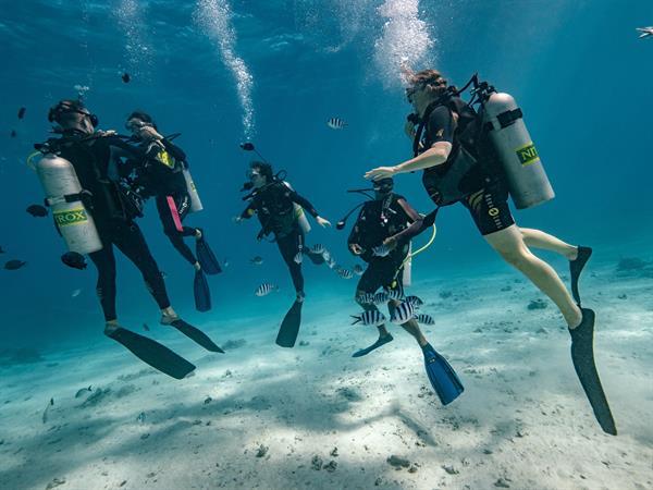 Underwater Le Tahiti by Pearl Resorts