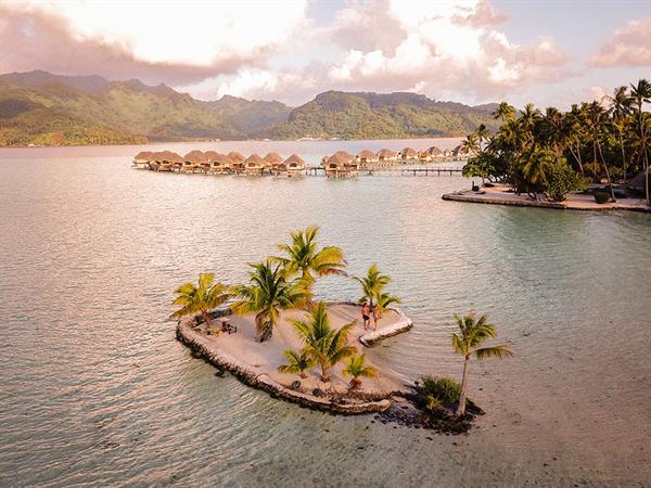 Séjournez 5 nuits, économisez 30% avec petit-déjeuner inclus Le Taha'a by Pearl Resorts