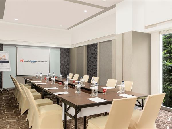 Meeting Rooms Swiss-Belresort Dago Heritage