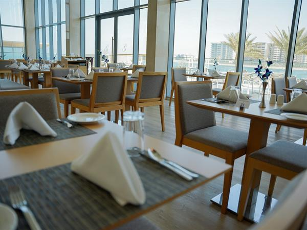 Waterfront Restaurant Grand Swiss-Belhotel Waterfront Seef