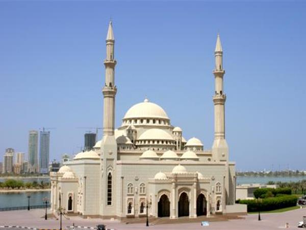Al Fateh Mosque Swiss-Belsuites Admiral Juffair