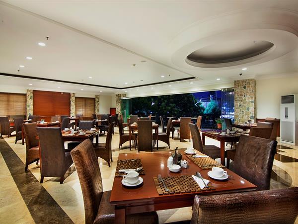 Swiss-Café Restaurant Arion Swiss-Belhotel Bandung