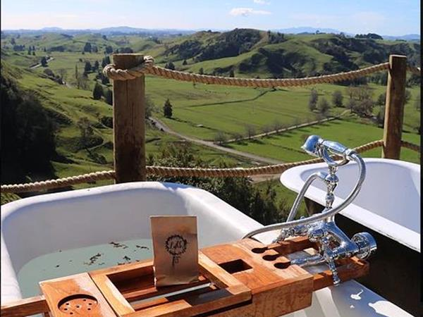 Waitomo Hilltop Glamping
