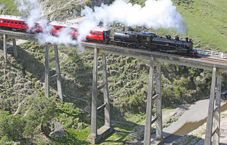 MARLBOROUGH FLYER – STEAM TRAIN, WINE & CHOCOLATE TOUR