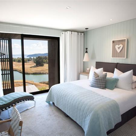 JOURNEY OF A LIFETIME | NEW ZEALAND + FIJI-SOUTH PACIFIC The lodge at Kinloch