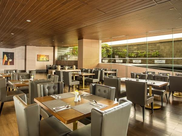 Lounge and Bar Swiss-Belhotel Bogor