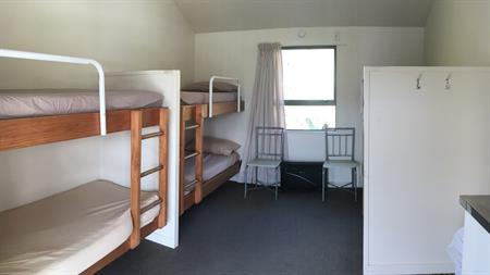 Standard Bunk Cabin Opal Hot Springs & Holiday Park