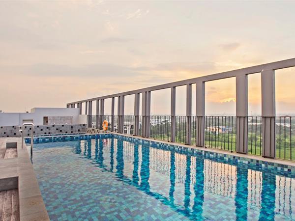Roof Top Pool Swiss-Belinn Cikarang
