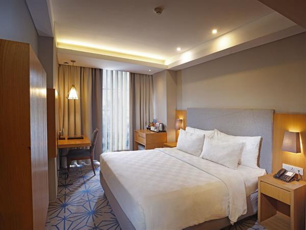 Deluxe Room Swiss-Belhotel Pondok Indah