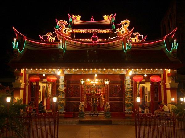 Ban Hin Kiong Temple Swiss-Belhotel Maleosan Manado