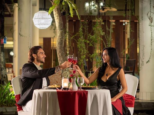 The Oak Restaurant Swiss-Belhotel Rainforest