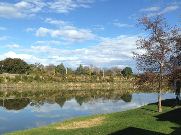 RELAX BY THE RIVER Whanganui River Top 10 Holiday Park