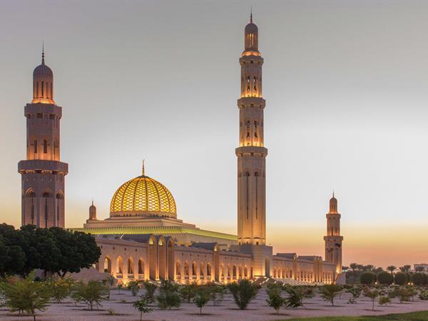 مسجد السلطان قابوس الكبير سويس- بل إن مسقط عمان