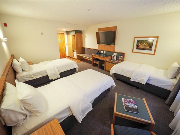 Standard Triple Room Swiss-Belresort Coronet Peak, Queenstown, New Zealand