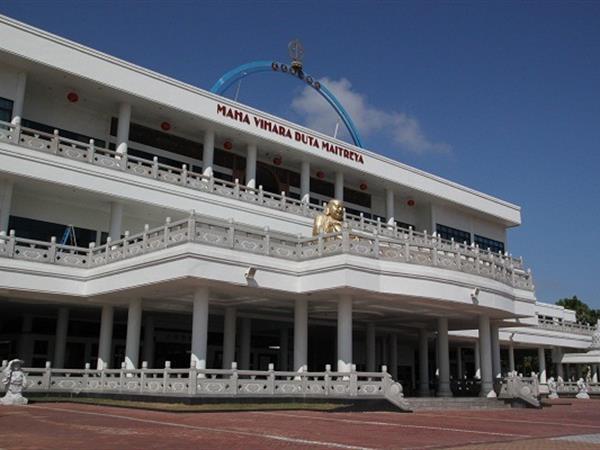 Maha Vihara Duta Maitreya Swiss-Belhotel Harbour Bay