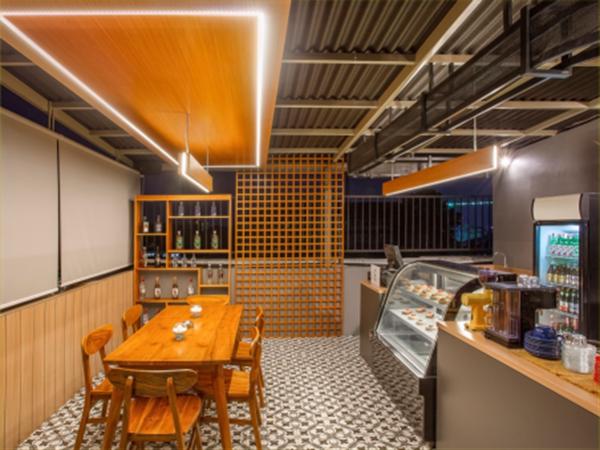Ruang Serbaguna di Rooftop Zest Hotel Sukajadi Bandung