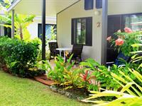 Garden Villa Muri Beach Resort
