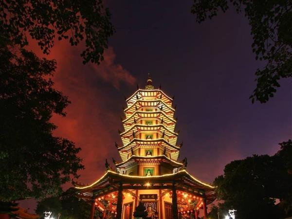Pagoda Avalokitesvara Hotel Ciputra Semarang