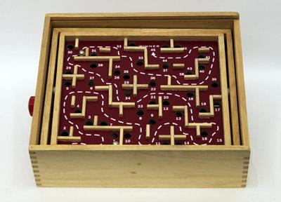 Labyrinth Game HC195