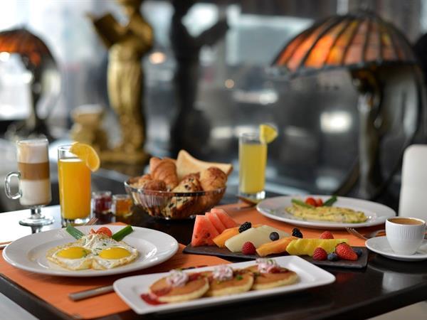 Room with Breakfast and Dinner فندق سويس بل هوتيل السيف، البحرين